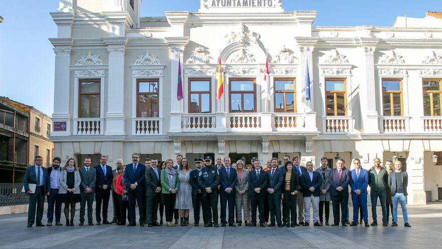 Page asegura que duplicará la inversión inicial en las obras del hospital de Guadalajara