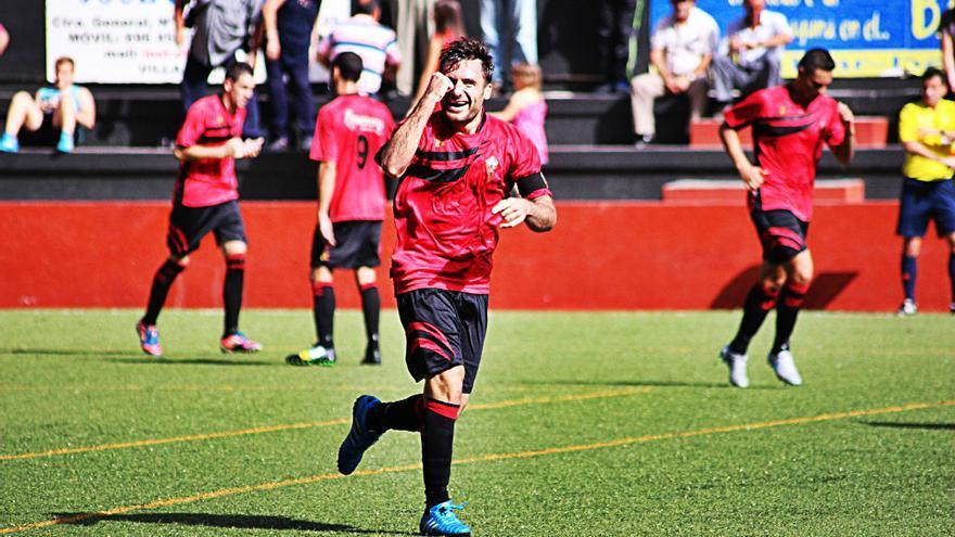 Fede Ántico marcó el gol del Mansajero con un disparo por toda la escuadra. Foto: JOSÉ AYUT.