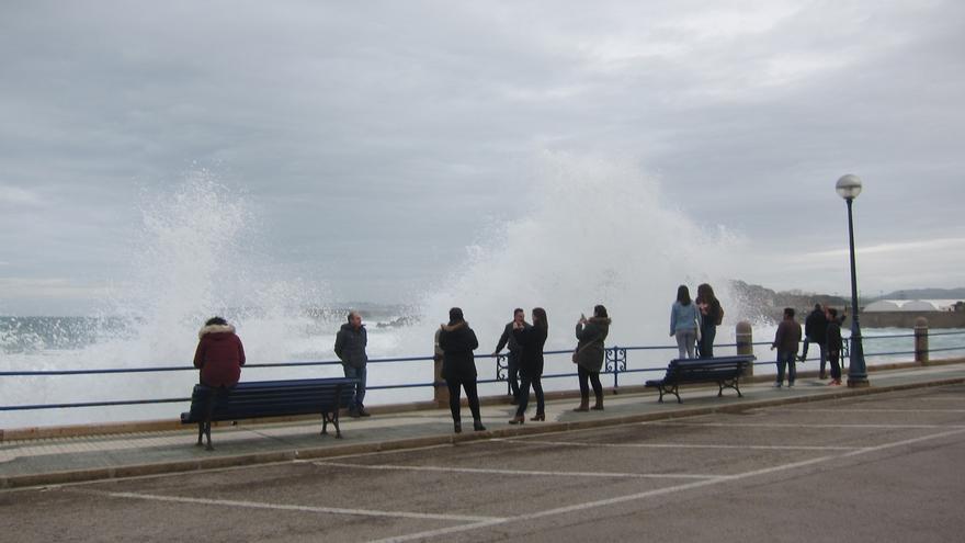 Cantabria está mañana en alerta naranja por fenómenos costeros