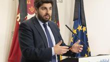 """Presidente de Murcia cree que hay """"alternativas"""" en la legislación ordinaria para controlar la movilidad"""