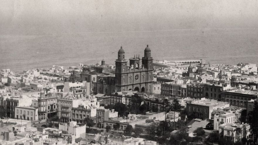 Vista aérea de Las Palmas de Gran Canaria, 1920. (Fedac)