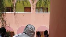 Test de COVID-19 los migrantes subsaharianos de forma indiscriminada.