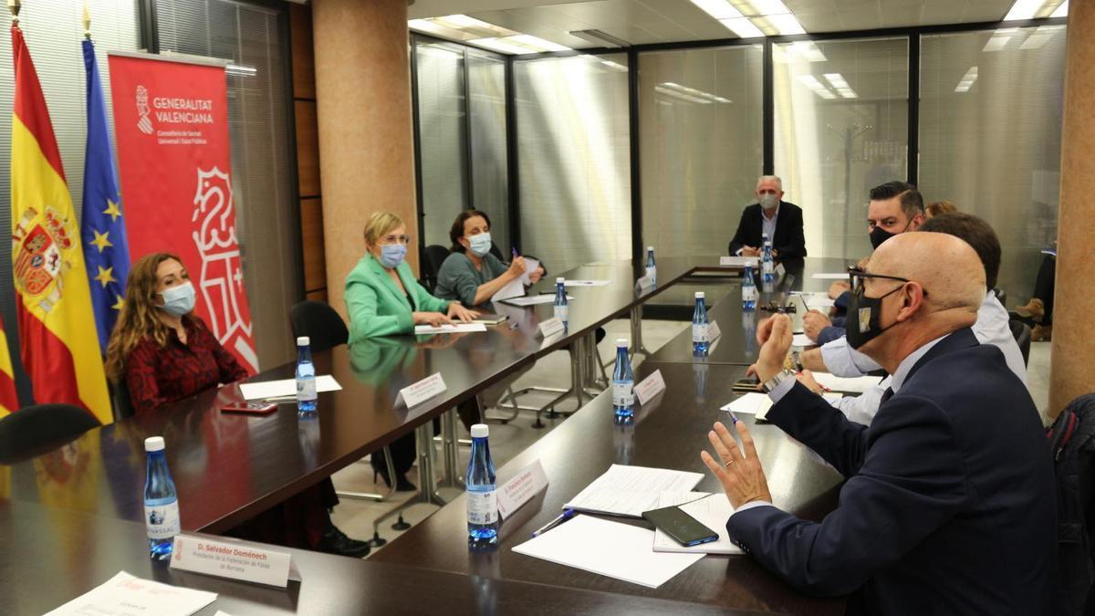 Reunión en la Conselleria de Sanidad con el colectivo fallero.