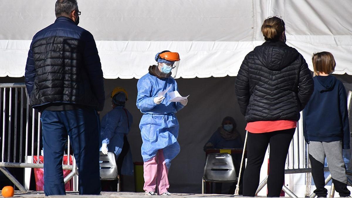 El portador del virus arribó el 19 de julio al Aeroparque Jorge Newbery proveniente de Lima con test negativo