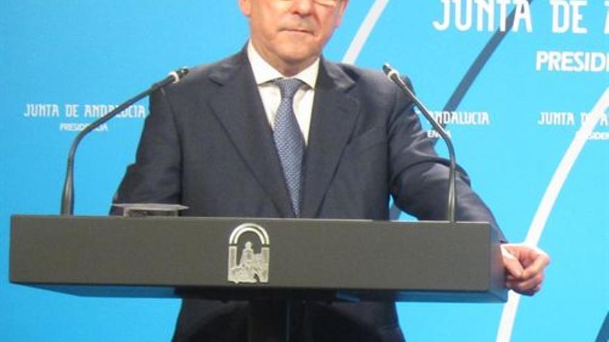El consejero de Justicia e Interior, durante una comparecencia ante los medios tras el Consejo de Gobierno