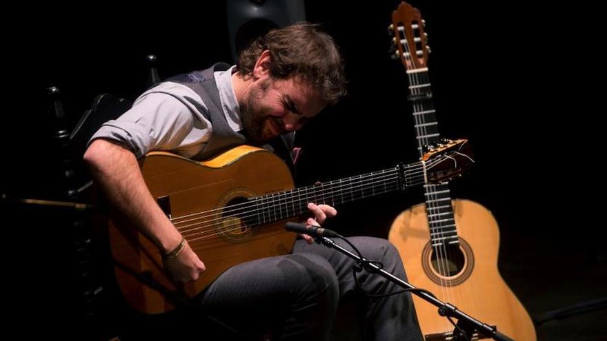 """El guitarrista Dani de Morón reúne a los mejores cantaores en su disco """"21"""""""
