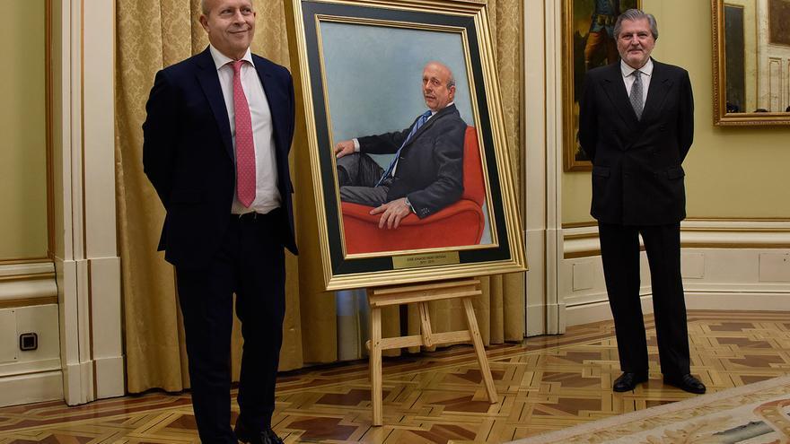 El cuadro del exministro José Ignacio Wert que se coloca este martes en el Ministerio de Educación. / Ministerio de Educación