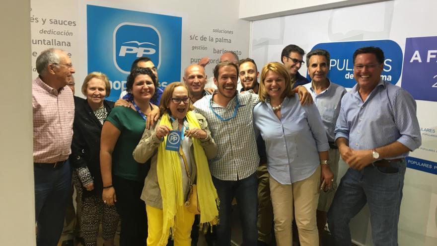 Mariano Hernández celebra los resultados en la sede del PP.