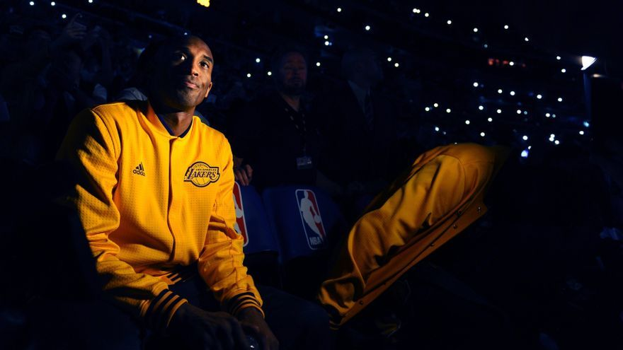 Kobe Bryant durante su último partido con Los Angeles Lakers en el Staples Center. (Wally Skalij/Los Angeles Times)