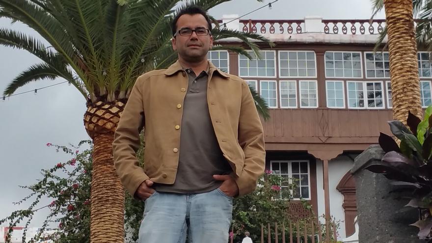 Víctor Hernández Correa es presidente de la Asociación de Vecinos La Canela. Foto: LUZ RODRÍGUEZ.