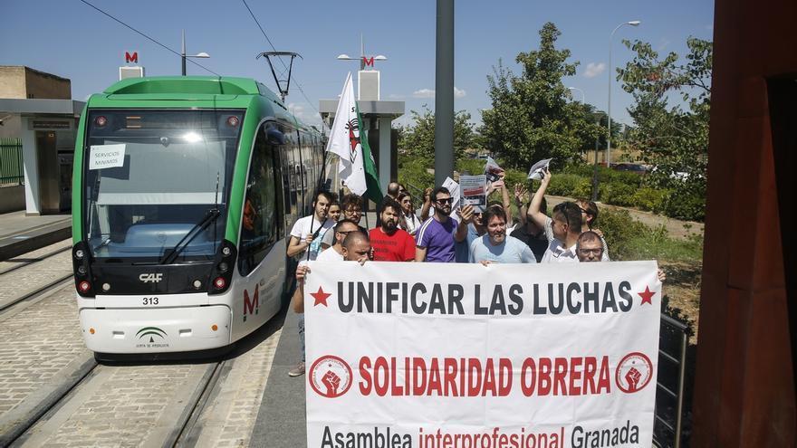 """Los trabajadores del metro destacan el """"seguimiento masivo"""" de la huelga en el inicio de la jornada"""