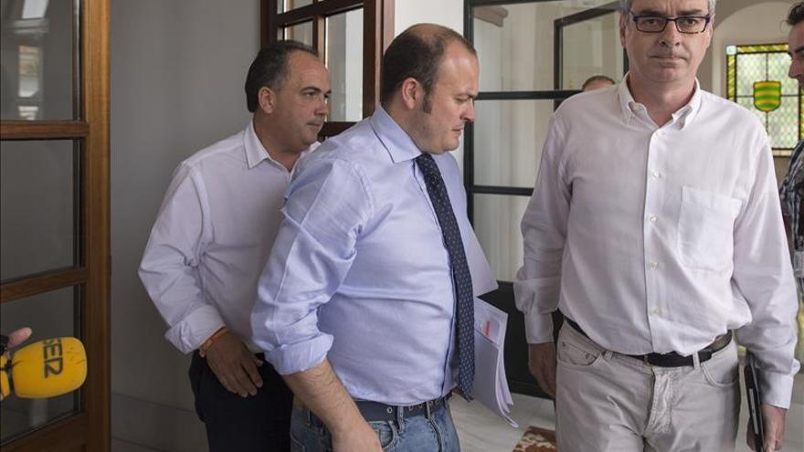 """C's mantiene su """"no"""" y dice que Aznalcóllar puede complicar la investidura de Díaz"""