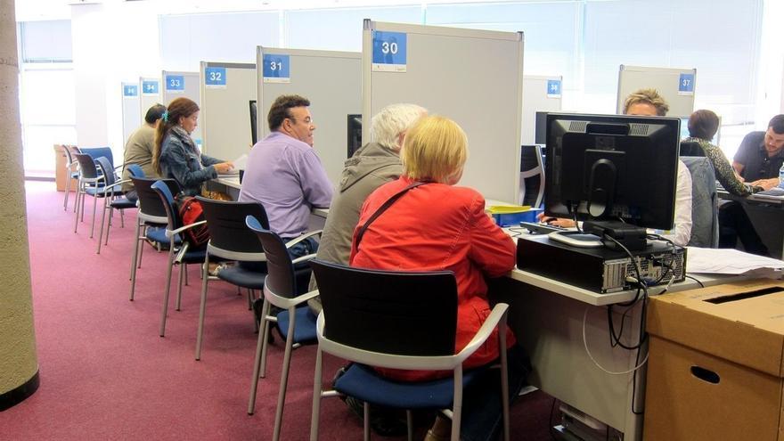 La AEAT ha devuelto ya más de 5,6 millones en Cantabria en la primera semana de la campaña del IRPF