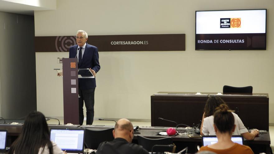 El presidente de las Cortes de Aragón, Javier Sada