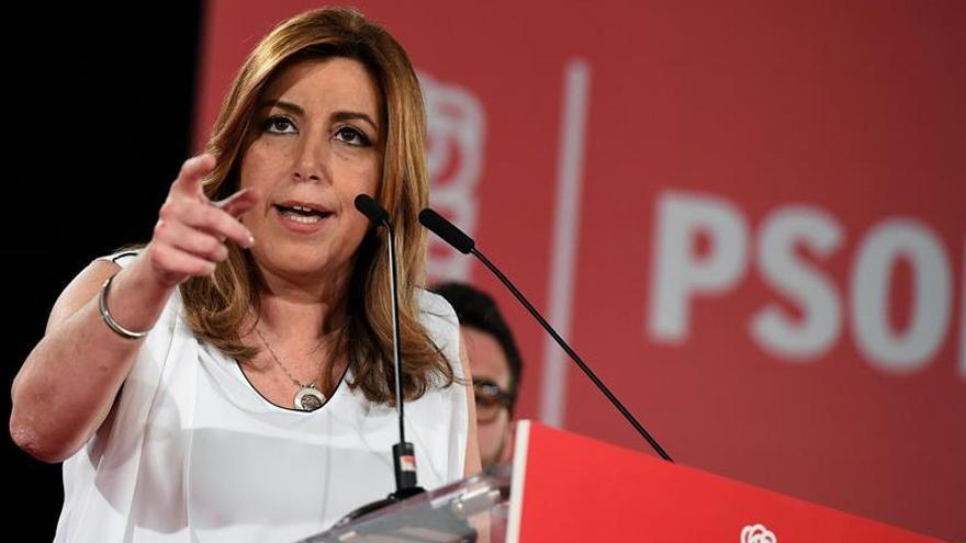 Susana Díaz pide a Rajoy que dé la cara y diga todo lo que sabe