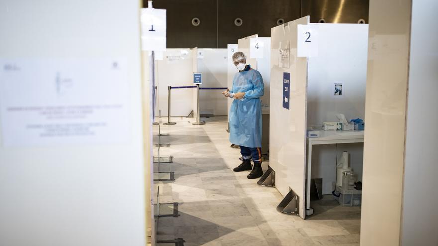 Francia alcanza los 20 millones de vacunados con al menos una dosis