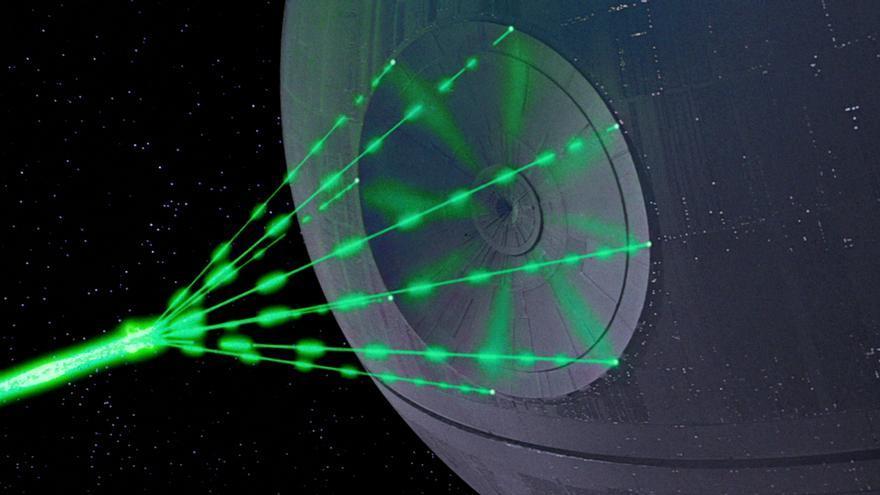 No es tarea fácil gestionar el departamento TI de la Estrella de la Muerte, una estación espacial del tamaño de la luna
