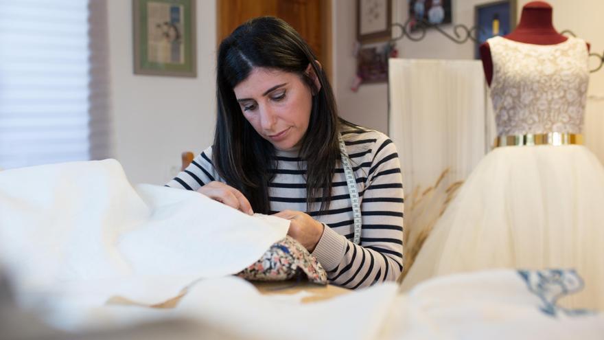 Martina González Franco en su taller de El Socorro, en Breña Baja.