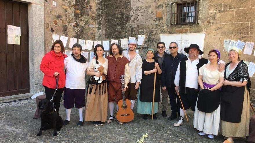 """""""Cualquiera puede hacer teatro"""", la reivindicación de la compañía albaceteña con actores y actrices con discapacidad visual"""