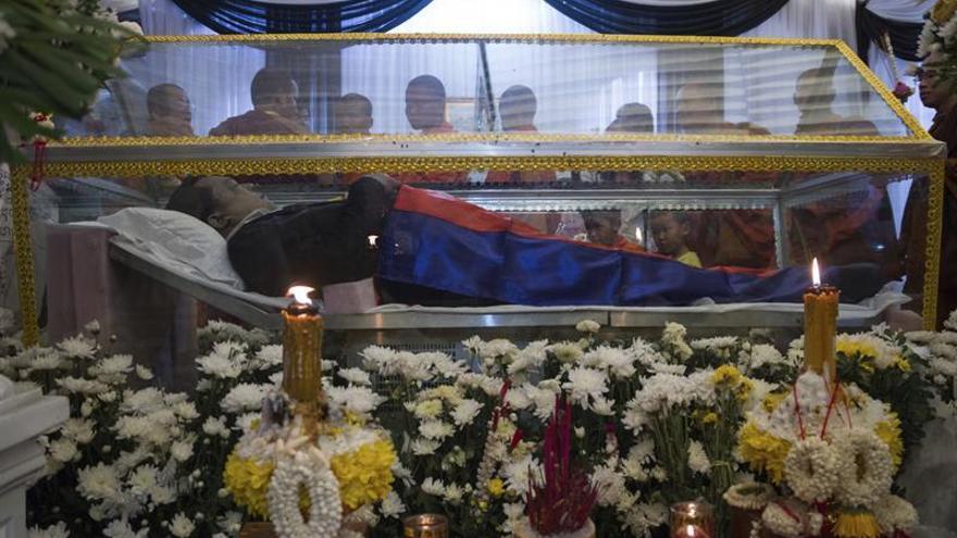 Asesinatos políticos, el precio de la democracia al estilo camboyano