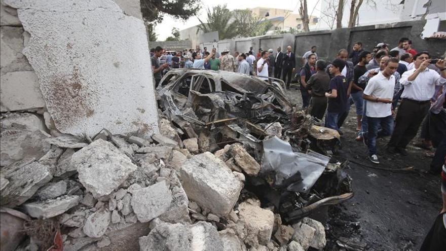 Al menos doce muertos por la explosión de un coche bomba en Bengasi