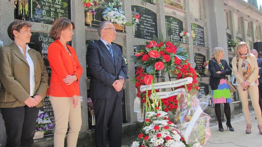 Familiares y políticos recuerdan a Tomás Caballero en el 15 aniversario de su asesinato a manos de ETA