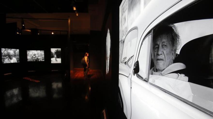 Con un saludo presidencial y un cambio de casa, Nicanor Parra cumple 103 años