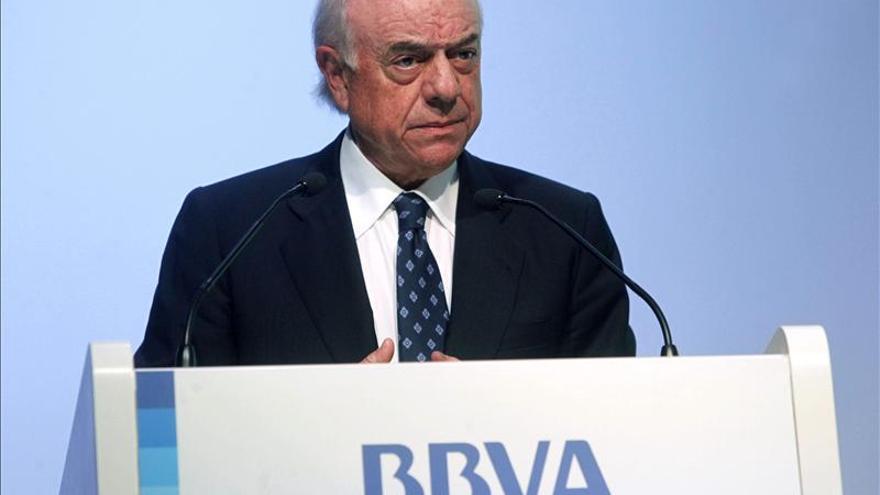 """González (BBVA) ve las """"malas prácticas"""" como causa de los problemas financieros"""