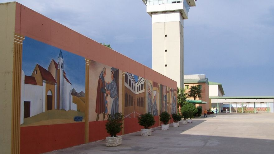 Investigan el hallazgo de un preso muerto en su celda en la cárcel de Huelva