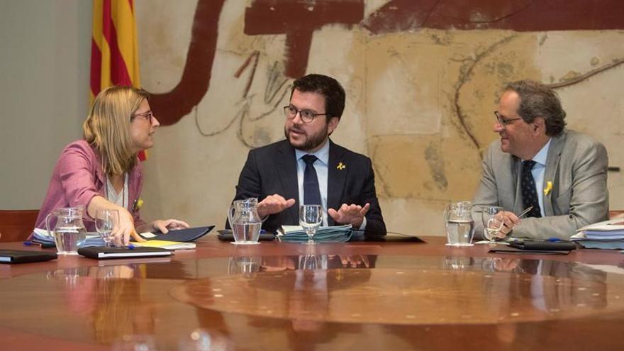 """El Govern pide a Sánchez """"pasos adelante"""" en referéndum y presos antes de otoño"""