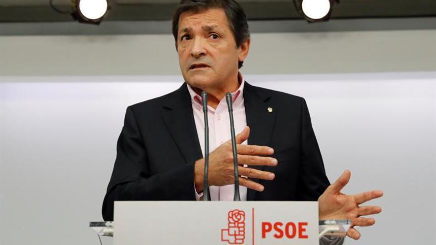 Fernández cree que habrá más de un candidato para liderar el PSOE