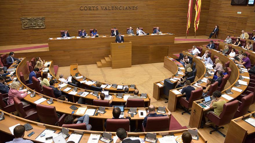 Los 5 grupos de les Corts Valencianes han aprobado la condena