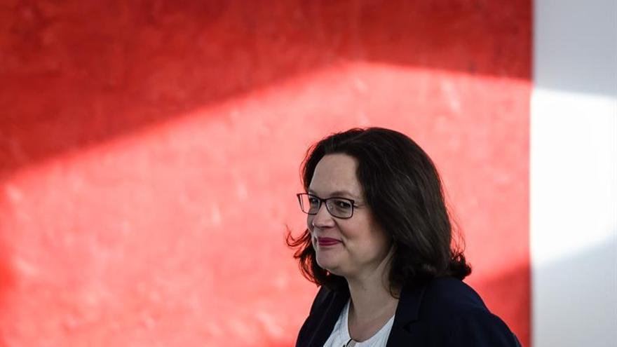 La líder del SPD alemán invita a quien crea que puede reemplazarla a decirlo