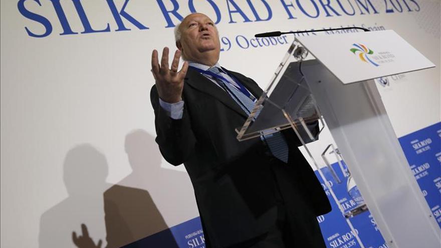 Moratinos pide que la Constitución fije el porcentaje mínimo de ayuda al desarrollo