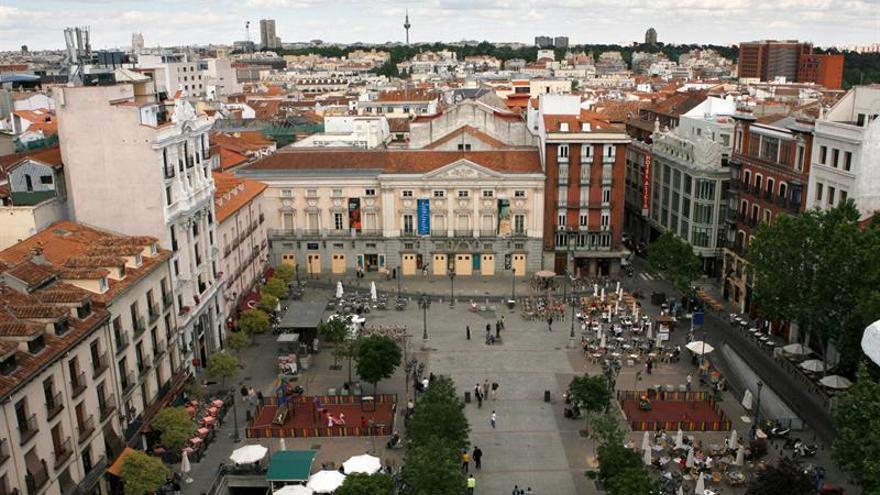 El Ayuntamiento busca una dirección colegiada del Teatro Español, no privatizarlo