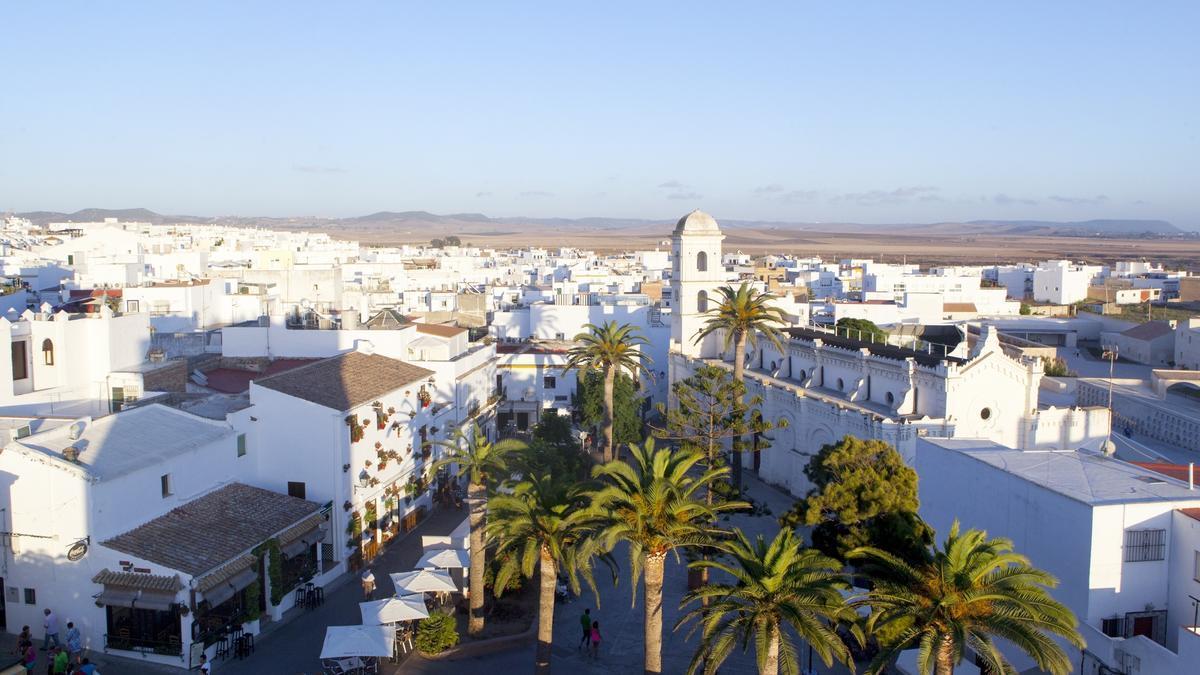 Conil de la Frontera, uno de los municipios de mayor tamaño para los que se ha solicitado el toque de queda.