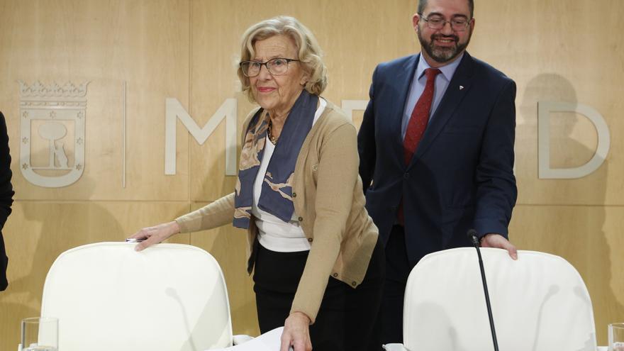 Carlos Sánchez Mato y Manuela Carmena, el 15 de noviembre de 2017.