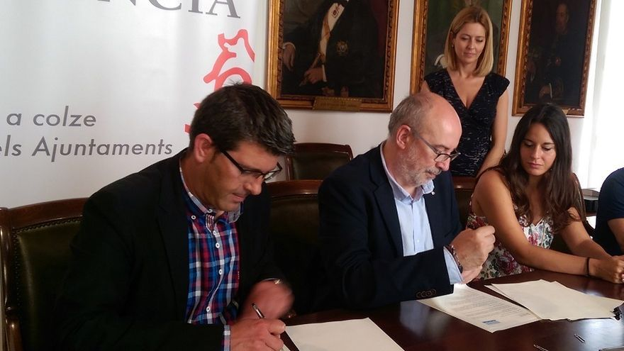 Jorge Rodríguez y Manuel Alcaraz han firmado el convenio