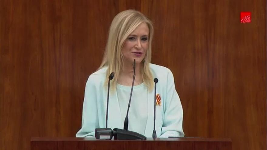 """Cifuentes pide trabajar para que """"jamás en este Parlamento ni en otro"""" haya un """"ataque a la democracia"""" como en Cataluña"""