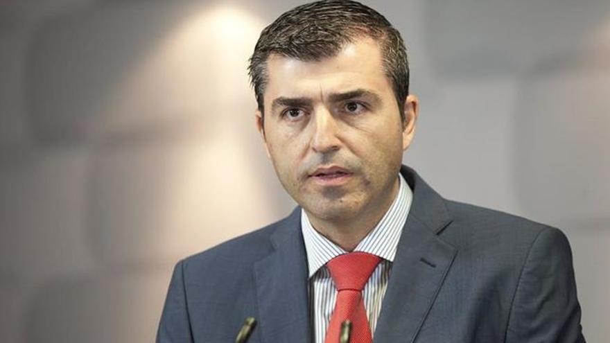 Manuel Domínguez, alcalde de Los Realejos y responsable último de la radio municipal