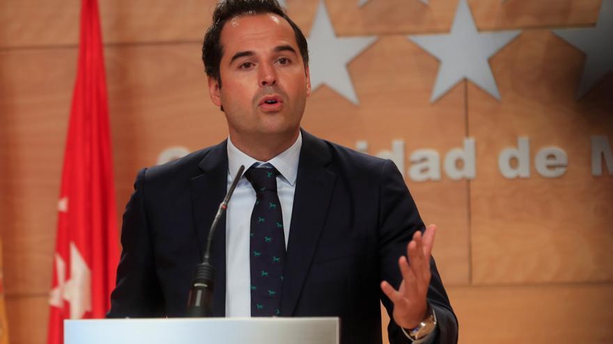 Aguado admite que Madrid es incapaz de hacer frente a la pandemia y pide ayuda al Gobierno de Sánchez