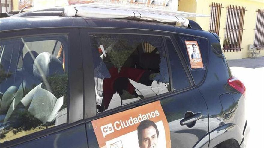 Apedreado un coche electoral de Ciudadanos en Hellín (Albacete)