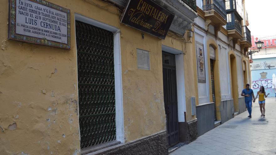 La casa natal de Luis Cernuda, cerca de la Plaza de la Encarnación de Sevilla.