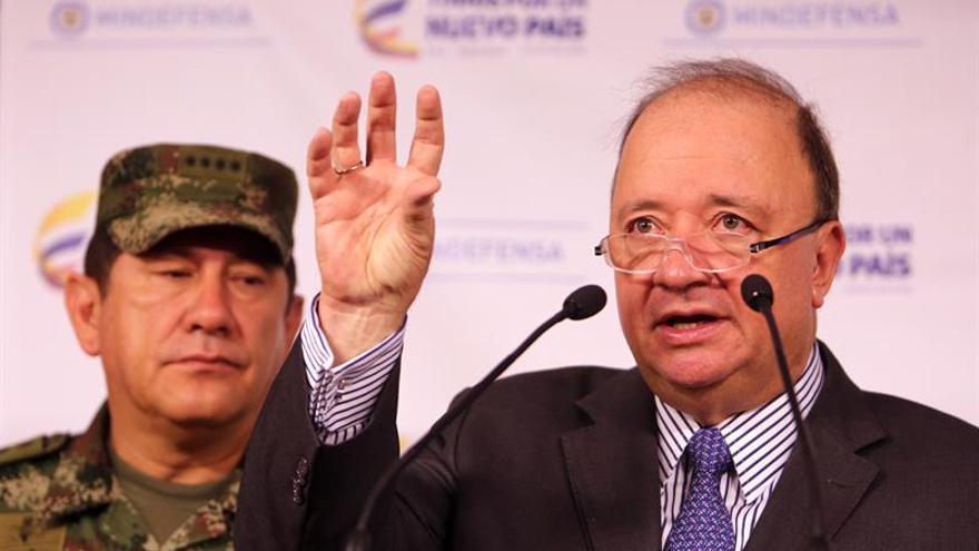 Ministro colombiano dice que la justicia transicional beneficiará 5.000 agentes