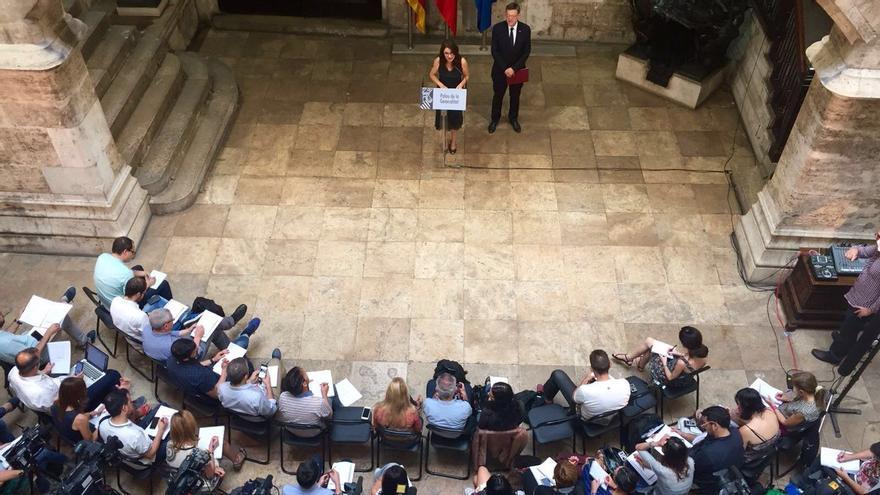 El president Ximo Puig y la vicepresidenta Mónica Oltra hacen balance del primer año del gobierno del Botànic