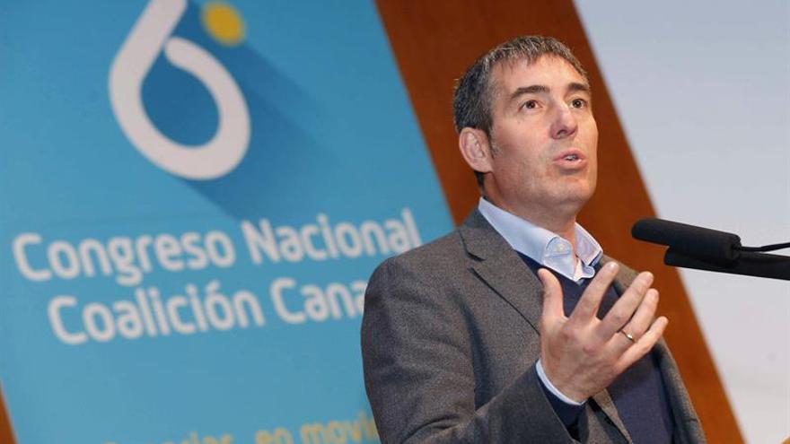 El presidente del Gobierno de Canarias, Fernando Clavijo, en el sexto Congreso Nacional de Coalición Canaria en Las Palmas de Gran Canaria. EFE/Elvira Urquijo A.