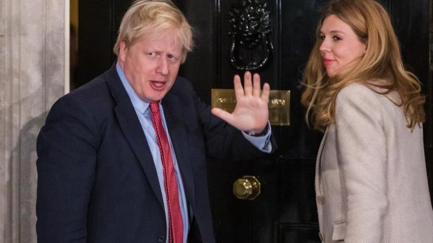 Boris Johnson y Carrie Symonds pasaron dos semanas de vacaciones en febrero en mitad de la crisis del coronavirus.