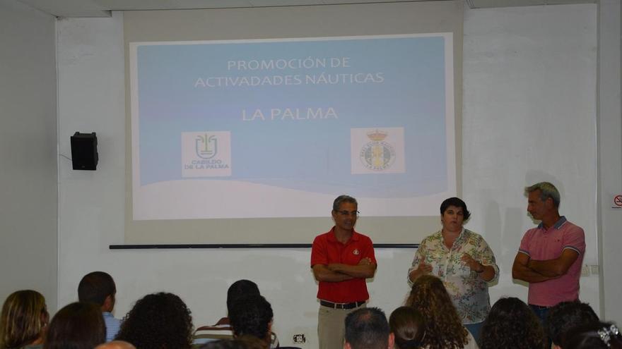 En la sede del Real Nuevo Club Náutico de la capital palmera  se dio cuenta del funcionamiento y calendario de los cursos de vela y del equipo de regatas.