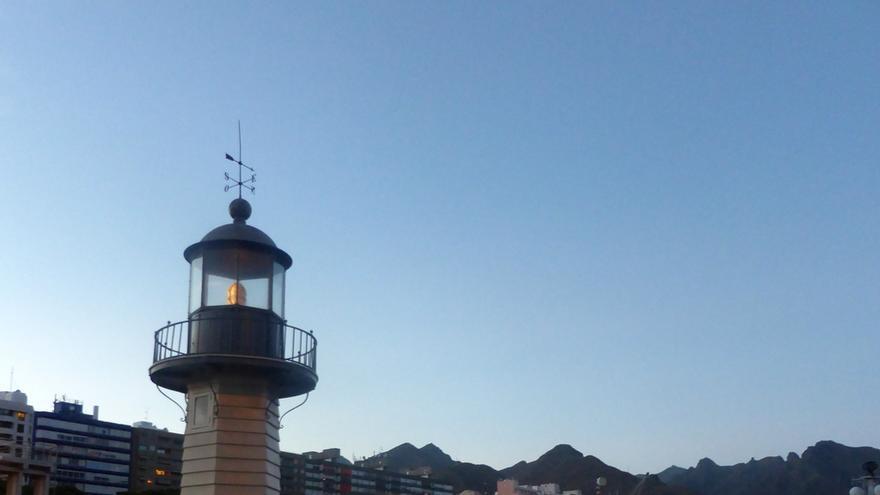 'La farola del mar', en el puerto de Santa Cruz de Tenerife