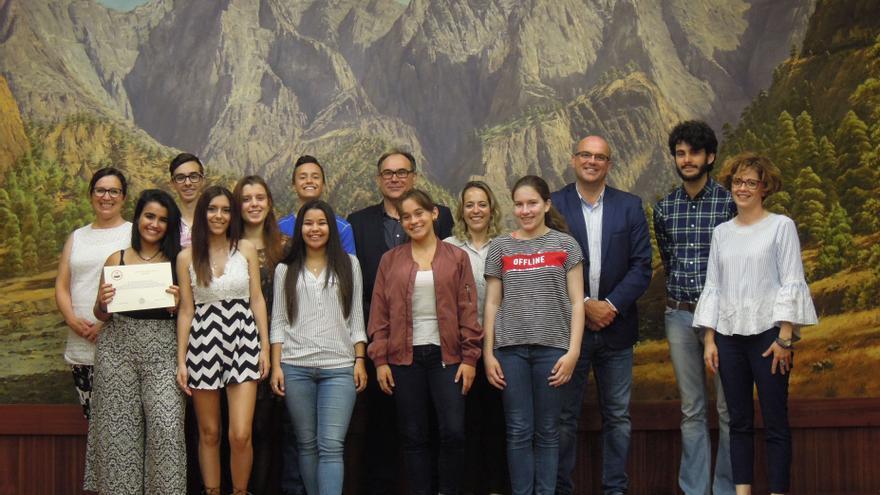 Los alumnos fueron recibidos en el Salón de Plenos del Cabildo,